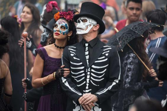 spectre-film-review-1